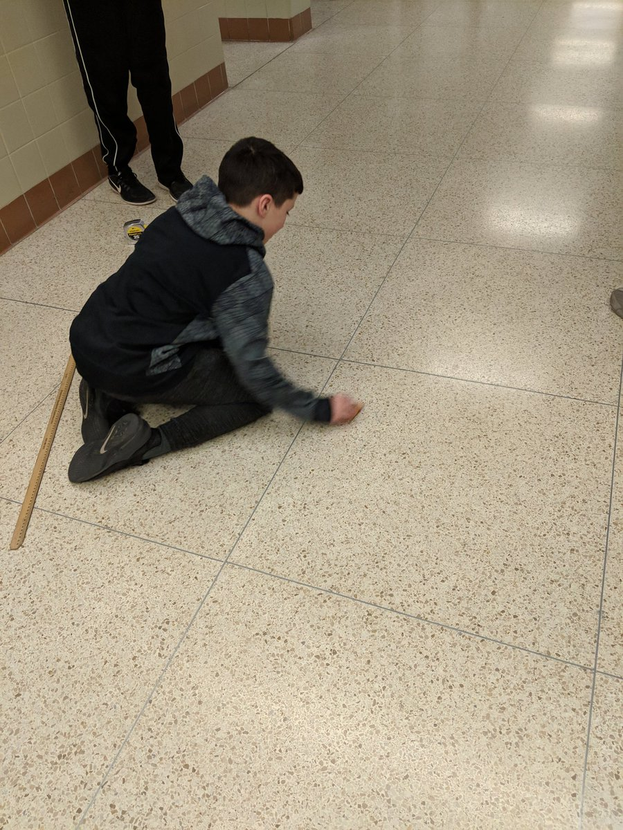 #CYSDPROUD  @centralyorkms @Mr_King_CYMS Students using toy cars to solve for speed in the formula d=rt.