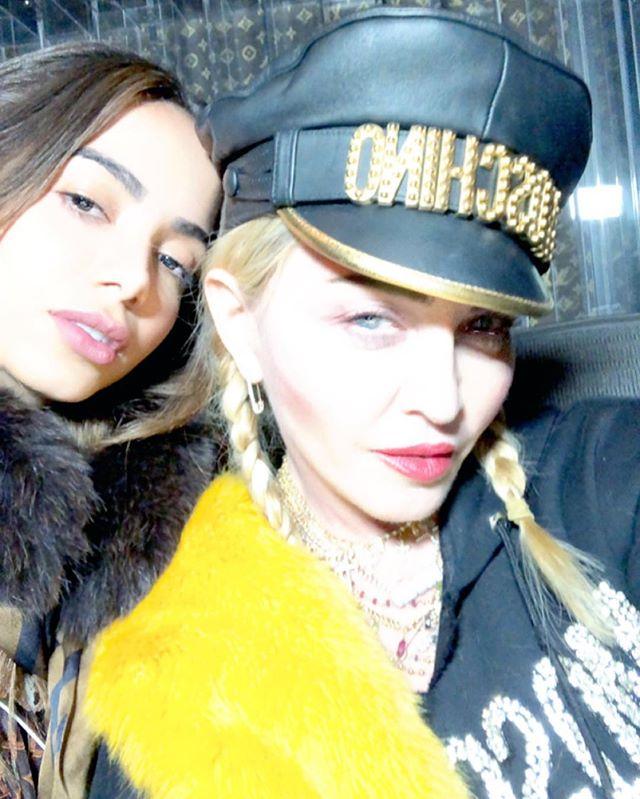 Madonna >> preparando nuevo álbum  - Página 36 Dt0VEHdW4AAS-TU
