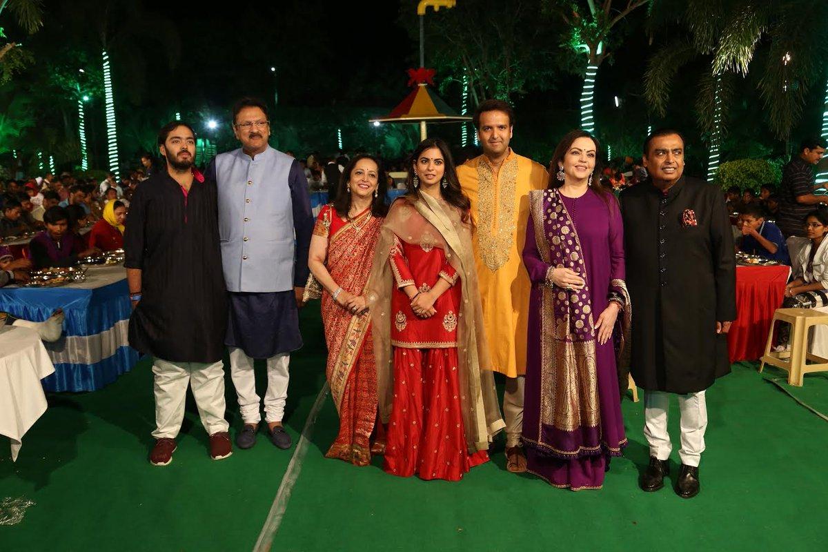 Ambanis seek Udaipur's blessings for their Daughter's wedding through a special 'Anna Seva'