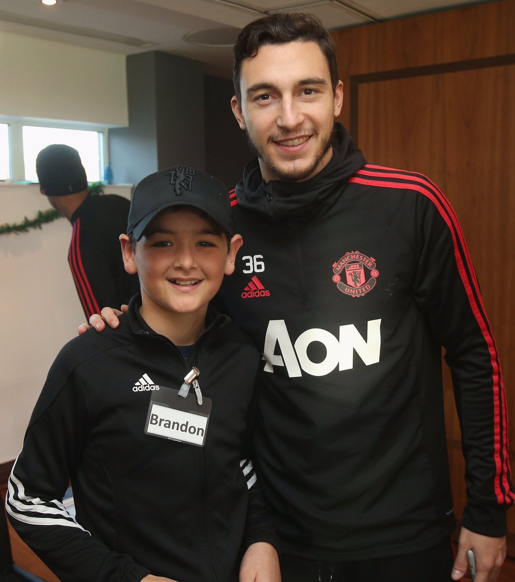 Great afternoon at #MUDreamDay! Nice to meet all this lovely fans ❤ @ManUtd @MU_Foundation