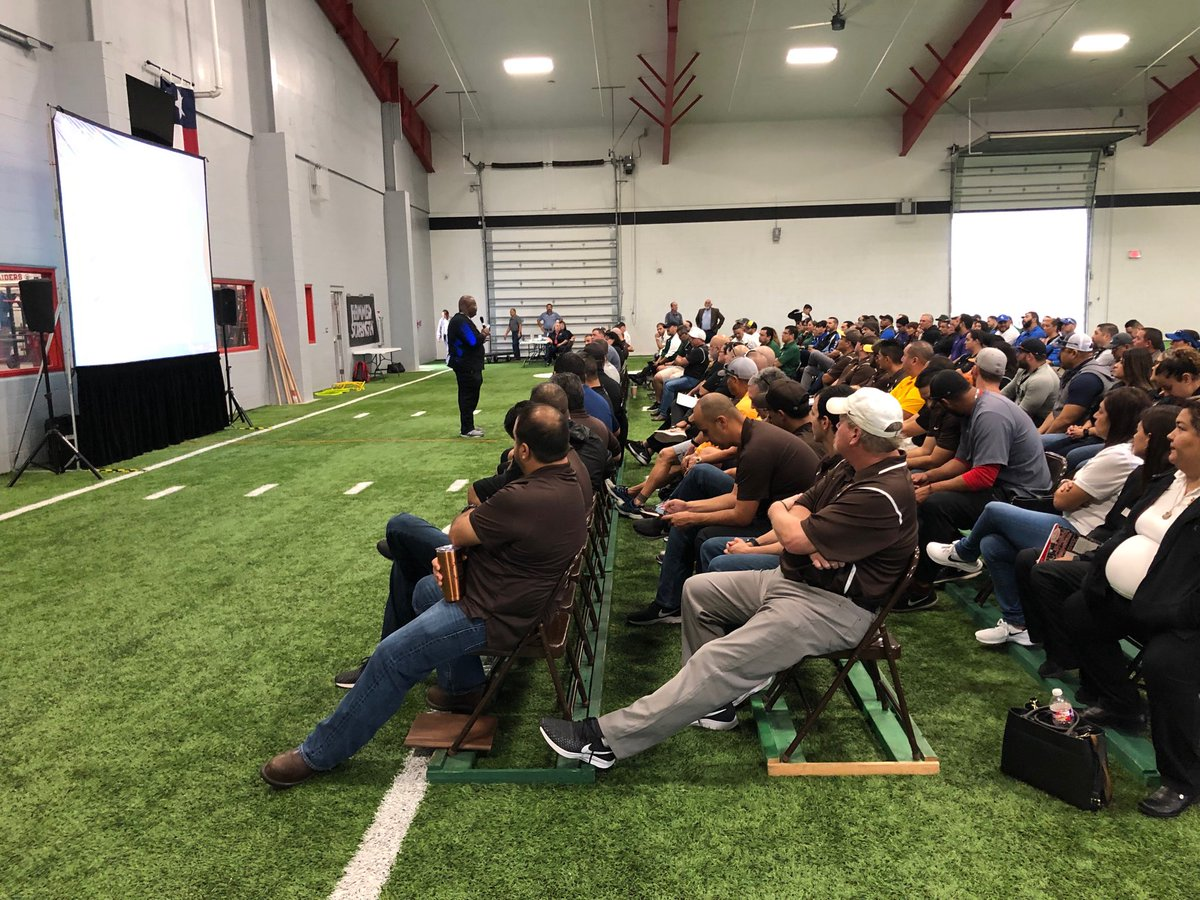 Hammer Strength Hammerstrength Twitter Carter Fuel Filters Full House Coach Jeff Madden Bringing Wisdom Knowledge Brownsvilleisd The Rivera Raider Facility Is Awesome Thank You Leal For Letting