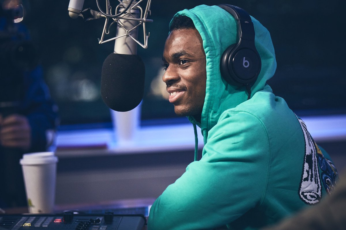 'Shout out all the rappers shorter than me. I respect y'all.' @vincestaples #RamonaRadio apple.co/VinceLive