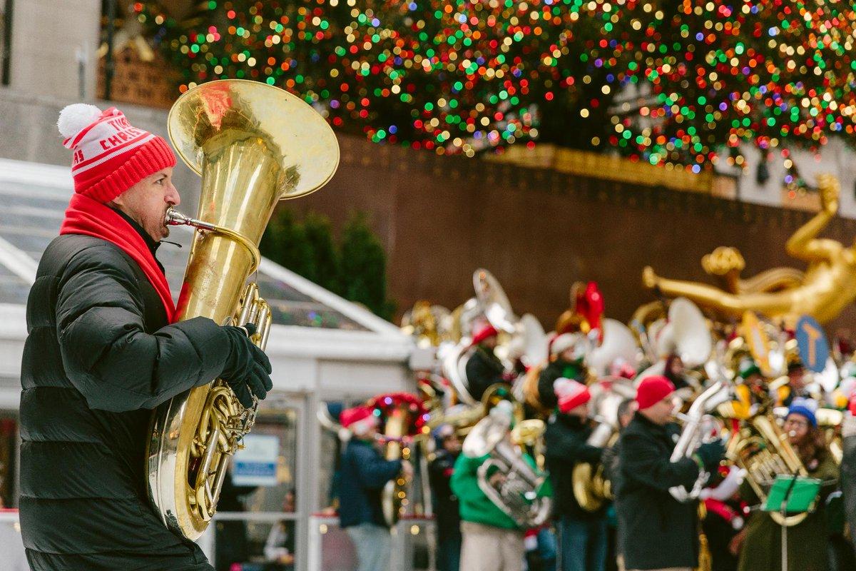 Tuba Christmas.Rockefeller Center On Twitter It S A Tuba Christmas Sing