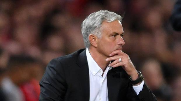 """Mourinho: """"I say that a team can finish 10th and the manager can feel like a champion. Correct? If you talk to David Wagner, Rafa Benitez, Claudio, if you talk to them, you tell them you're going to end up 10th, they'll feel like champions. """" #MUFC"""