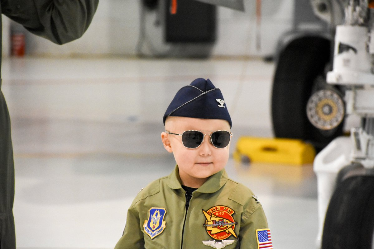 Meet the @usairforce's youngest pilot! Quinn Cogan poses in front of an #A10 fighter jet. (No, he didn't fly it!) But he was honorary #PilotForADay as #WhitemanAFB, #Missouri, partnered with @victorykc, which helps children battling cancer. #KnowYourMil