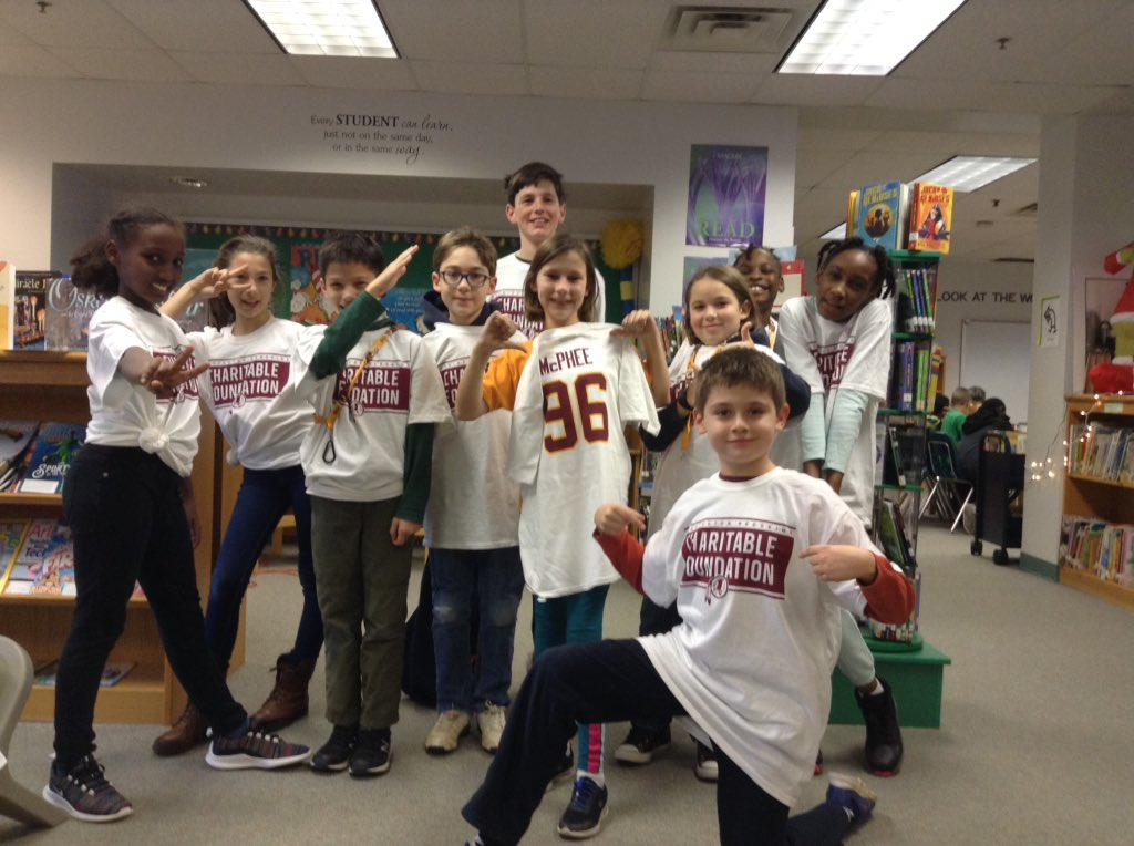 Students <a target='_blank' href='http://twitter.com/APSDrew'>@APSDrew</a> dabbing for <a target='_blank' href='http://twitter.com/RedskinsCR'>@RedskinsCR</a>. These lucky students participated in the Redskin Community Playbook program with <a target='_blank' href='http://twitter.com/MrsBlackatDrew'>@MrsBlackatDrew</a> <a target='_blank' href='http://twitter.com/APSLibrarians'>@APSLibrarians</a> and received  football tickets donated by Pernell McPhee <a target='_blank' href='http://search.twitter.com/search?q=APSisAWESOME'><a target='_blank' href='https://twitter.com/hashtag/APSisAWESOME?src=hash'>#APSisAWESOME</a></a> <a target='_blank' href='https://t.co/DWKmCGjk7s'>https://t.co/DWKmCGjk7s</a>