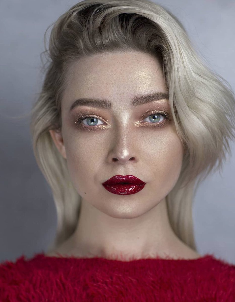 Look at that POUT 👄😱 @daryna_barykina wearing Everlasting Liquid Lipstick in Outlaw 💄 → bit.ly/2ASuf4B