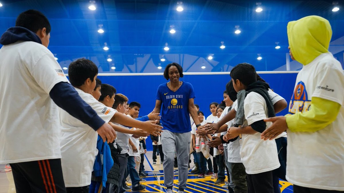 Who better to bring basketball and STEM to life than our own @21charmin?! Coach Charmin teamed up with the @warriors for a @NBAMathHoops live program for Bay Area youth, teaching fundamental math skills through basketball stats. Thanks for a great afternoon! 📸: @warriors