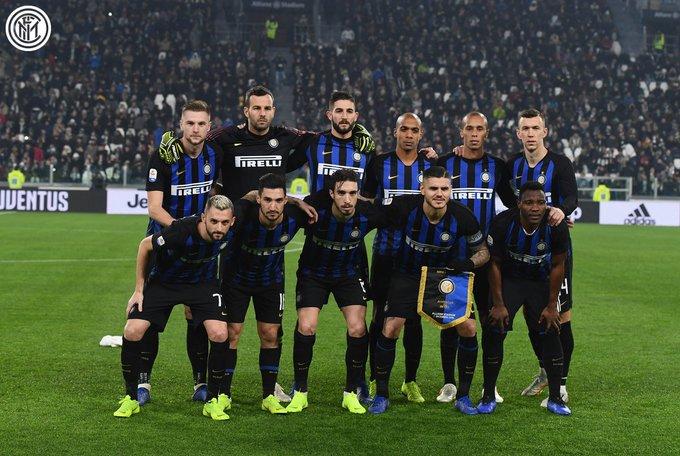 👇 Describan con una palabra el primer tiempo de este Inter: _________________________ #JuventusInter 0⃣ x 0⃣ Foto