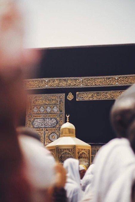 #مرات_ودي_اقول أن الله ليس في المساجد فقط بل في الأهل والجيران والأرامل والمساكين وتعاملك بإنسانية مع الخلق ... صورة فوتوغرافية