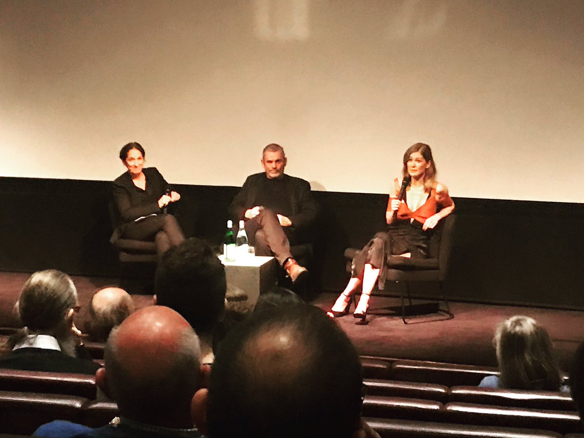 Brilliant advance screening of #APrivateWar, followed by Q&amp;A with the legendary Paul Conroy and Rosamund Pike, whose portrayal of #MarieColvin was superb. @RSF_en is pleased to be involved in the forthcoming UK release of the film. Watch this space!<br>http://pic.twitter.com/ZtdjyWXK9g