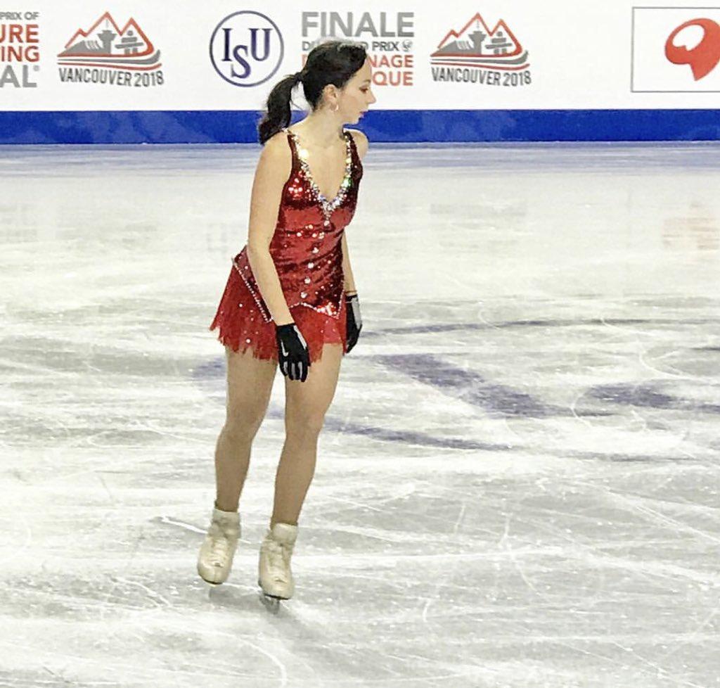 ISU Junior & Senior Grand Prix of Figure Skating Final. 6-9 Dec, Vancouver, BC /CAN  - Страница 16 Dt2NrKaU4AAI4KO