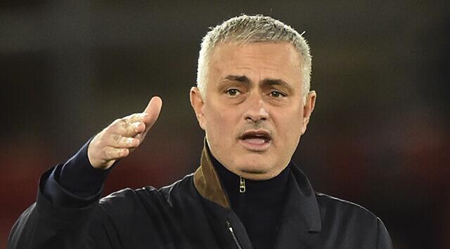 Jorge Mendes desmintió que José Mourinho piense salir del Manchester United Photo