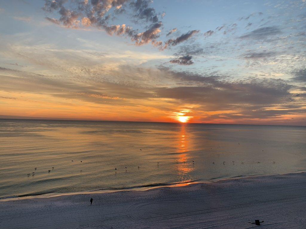 Sunset in Panama City Beach @spann<br>http://pic.twitter.com/FmVYxWAewS