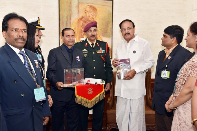 Vice President @MVenkaiahNaidu compliments Armed Forces on #ArmedForcesFlagDay Read More: Photo