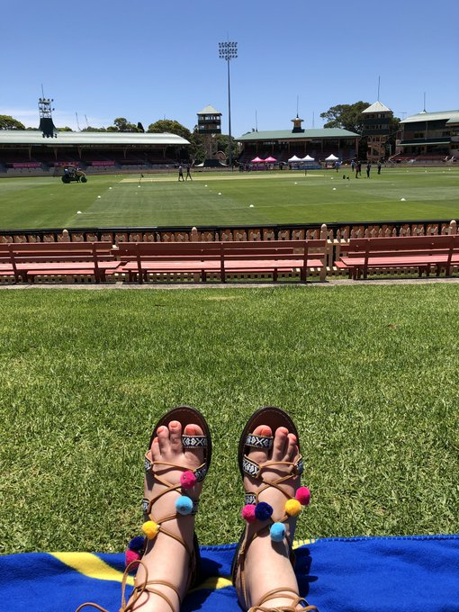 And I have a spot. #LadiesWhoLegspin are taking over the hill at North Sydney Oval between the bounce tent and the @woolworths activation! Come on @WBBL! Photo
