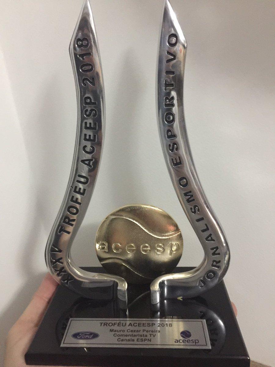 60b110d227 Grato à  ACEESP1 e aos companheiros pelo prêmio de melhor comentarista de  televisão em 2018