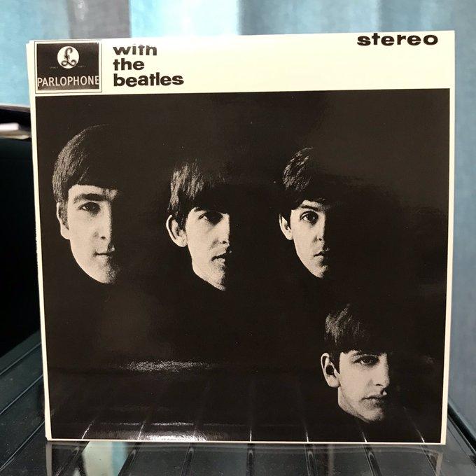 今日のジョン レノン。 THE BEATLES 「WITH THE BEATLES」 #JohnLennon #NowPlaying この頃のジョン レノンが一番好きです☺️ Foto