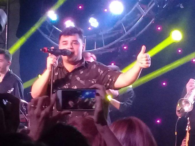 #BuenSabado de fiesta del trabajo, acá les comparto recital de @Los_Totora fabulosos los chicos, toda la onda super divertidos !! Gracias, hermoso show, cantamos a lo loco ! Jajaja ! 👍🎺🎸🎷🎶🎧 Foto