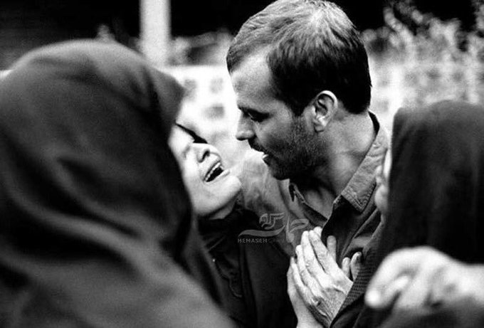 Come close… closer… even closer! How long will this hindrance last? - Rumi A returning Iranian soldier, a prisoner of war from the Iran-Iraq war, holding his beloved in his arms: a tender moment caught by renowned photographer Sasan Moayedi in 1988. Фото