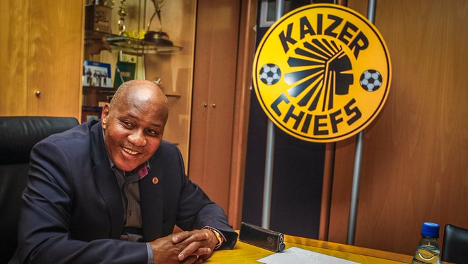 Kaizer Chiefs chairman Kaizer Motaung firmly believes the team is now in good hands with Ernst Middendorp in charge. #DiskiFans Photo