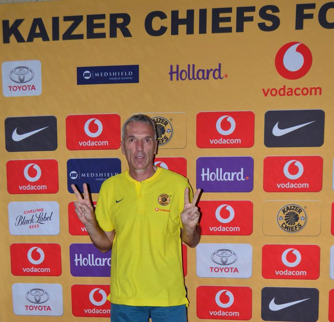Kaizer Chiefs confirmed the appointment of Ernst Middendorp as the new head coach for two and a half years deal. #SABCsoccer411 Photo