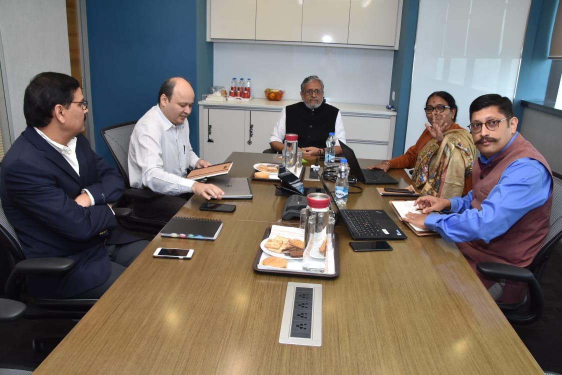 बिल एंड मेलिंडा गेट्स फाउंडेशन, पटना के कार्यालय का अवलोकन एवं उनके द्वारा चलाए जा रहे जनकल्याणकारी  कार्यक्रम से अवगत होते हुए।