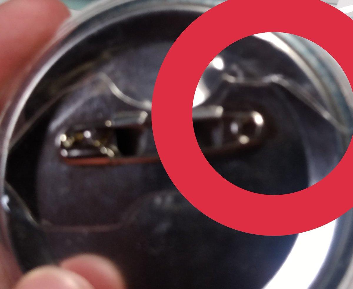 test ツイッターメディア - #キャンドゥ 缶バッジカバー、結構力入れないとはいらない……と思ってたけど、30秒くらいオイルヒーターにのっけてあっためたら一気に楽に!! そして、力を入れたことによるペナペナも真っ直ぐに!! (写真下手 透明なものを撮るのはなかなか難しい) https://t.co/qL56lVZryX