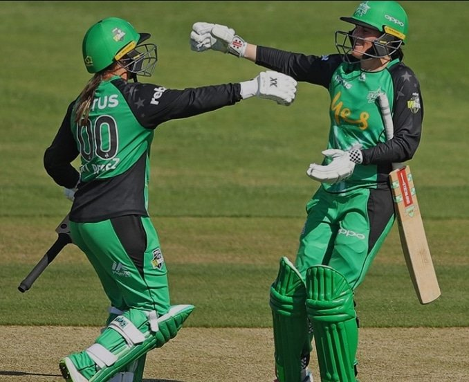 Great batting display from @eosborne67 and @MdpMinx22 today!! Saw a few big sixes from the 2 🏏 #TeamGreen 💚🖤 Photo