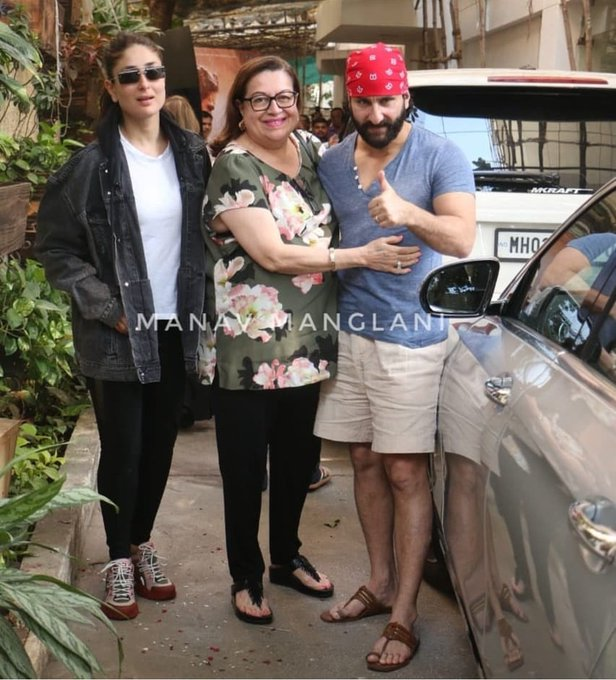 Kareena heads to a theater to watch Sara Ali Khan on screen for the first time! #Kedarnath Photo