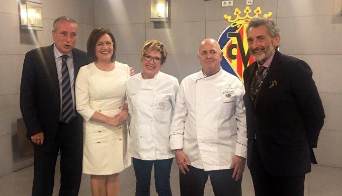 #VillarrealCelta | ¡Comida oficial 🥘de directivas con el @RCCelta y los representantes de #Endavant Benicarló! Foto