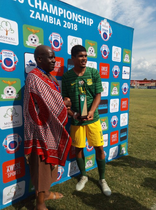 Luke Le Roux gets the man of the match award following his fine performance against eSwatini. @BurgerKing @COSAFAMEDIA #COSAFAU20 Photo