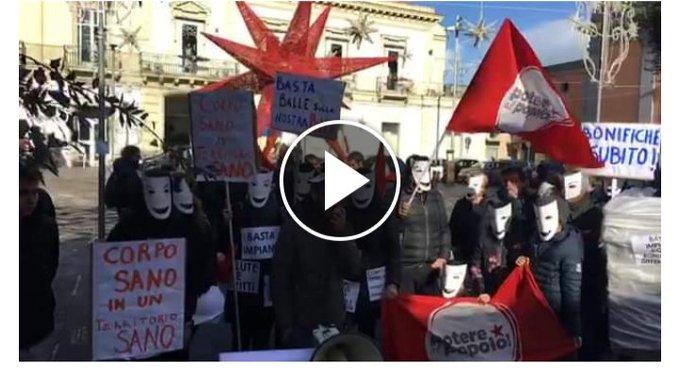#8Dicembre Come a Torino, Niscemi, Melendugno anche a Giugliano in Campania in piazza contro le opere inutili e imposte a salvaguardia del pianeta e della nostra salute. Qui il video > Foto