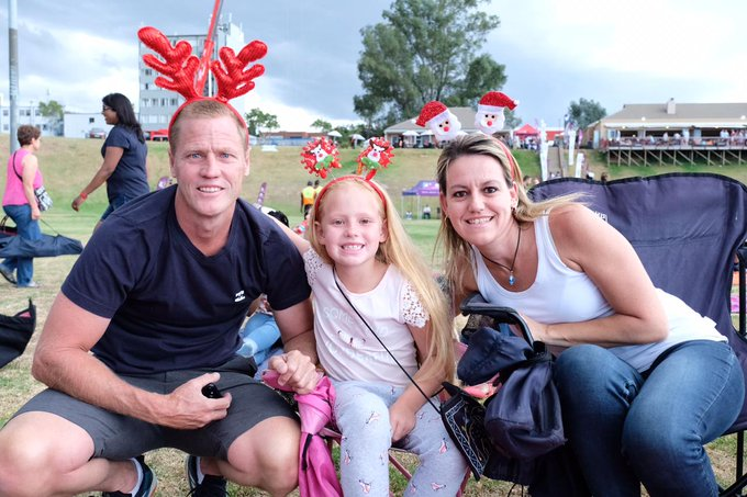 Families that do SPAR Carols by Candlelight with Jacaranda FM together stay together. #JacaCarols Photo