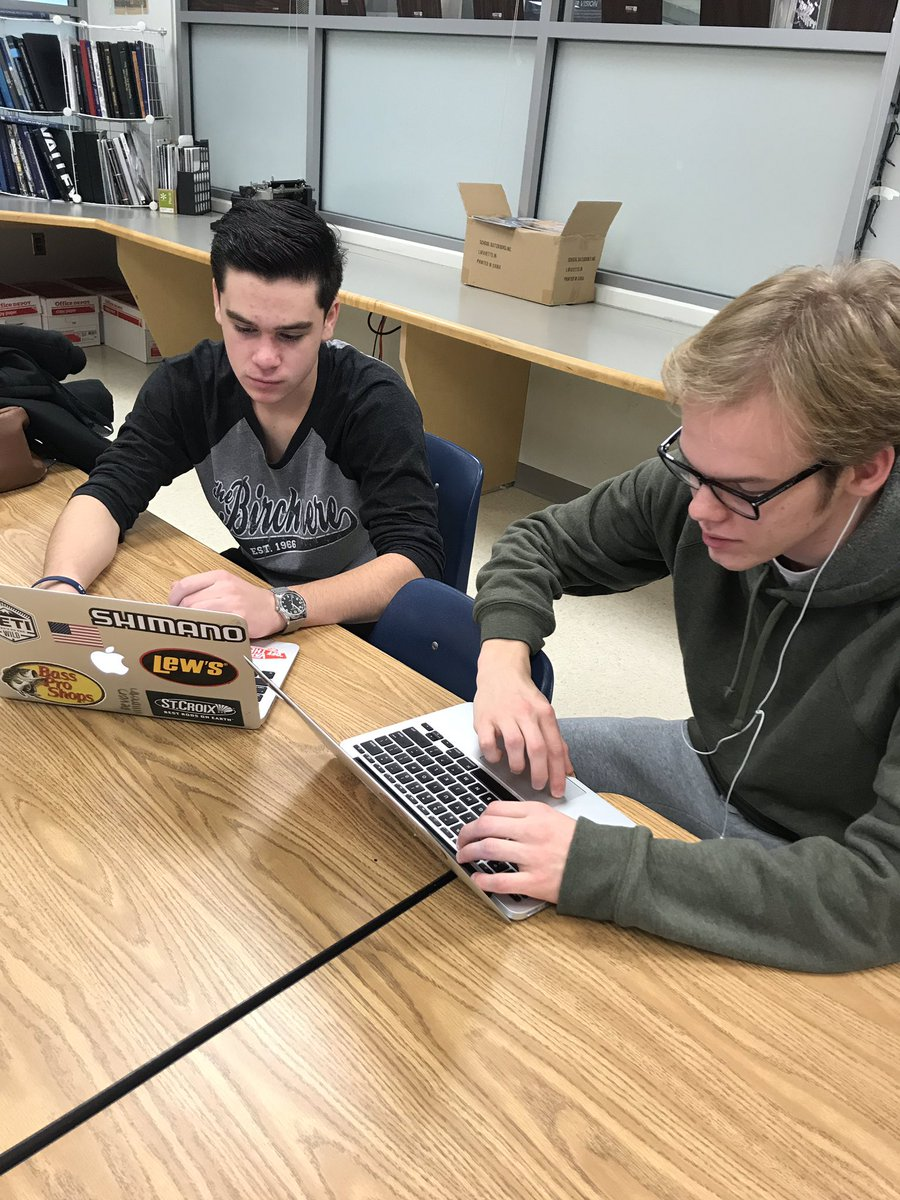 Check out these awesome seniors taking advantage of our Saturday morning college application help!  <a target='_blank' href='http://search.twitter.com/search?q=classof2019'><a target='_blank' href='https://twitter.com/hashtag/classof2019?src=hash'>#classof2019</a></a> <a target='_blank' href='http://twitter.com/GeneralsPride'>@GeneralsPride</a> <a target='_blank' href='http://twitter.com/APS_StudentSrvc'>@APS_StudentSrvc</a> <a target='_blank' href='https://t.co/7MJmhNeq6T'>https://t.co/7MJmhNeq6T</a>