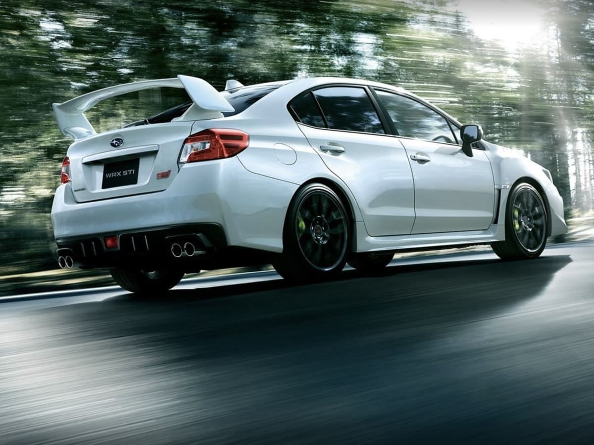 Does Subaru really need a hot hatch? WRX/STI sedan compared with Volkswagen Golf R hatch sales and Honda Civic Type R estimates says no.  https://www. torquenews.com/1084/does-suba ru-really-need-hot-hatch-vw-golf-r-sales-say-no &nbsp; … <br>http://pic.twitter.com/i0nae8OSzU