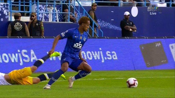 فهد العتيبي : كاريلو يجعل كرة القدم في الديربي أكثر متعة . صورة فوتوغرافية