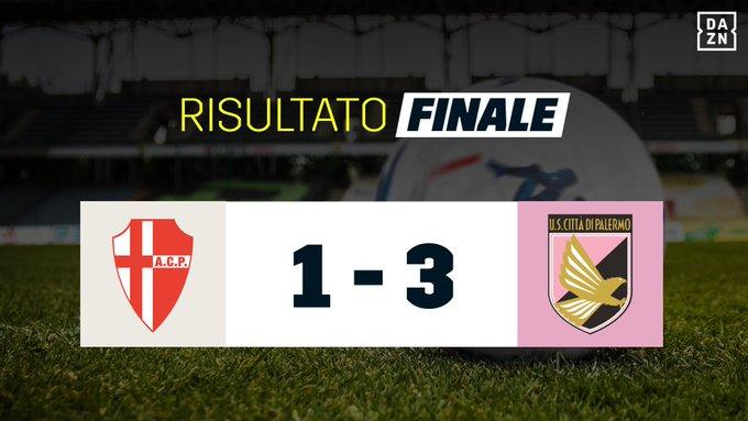 🔚 Fischio finale allo stadio Euganeo 👏 Il Palermo batte il Padova e conferma il primo posto in classifica! ⚽ Prima Bonazzoli, poi le reti di Trajkovski, Rajković e Nestorovski 🇮🇹 #SerieBKT #PADPAL Foto