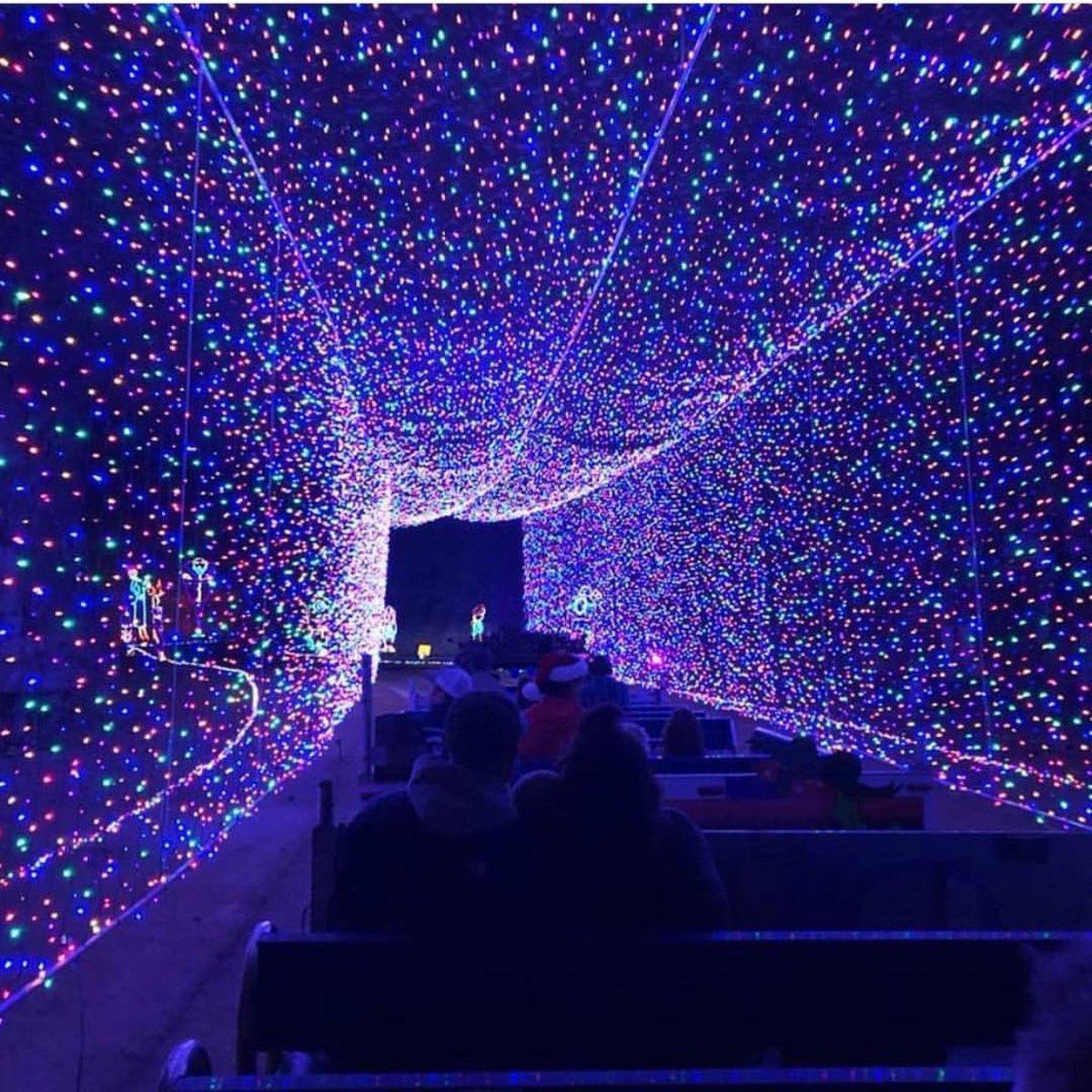Mega Cavern Christmas Lights.Mega Cavern Pa Twitter All Aboard The Christmas Express