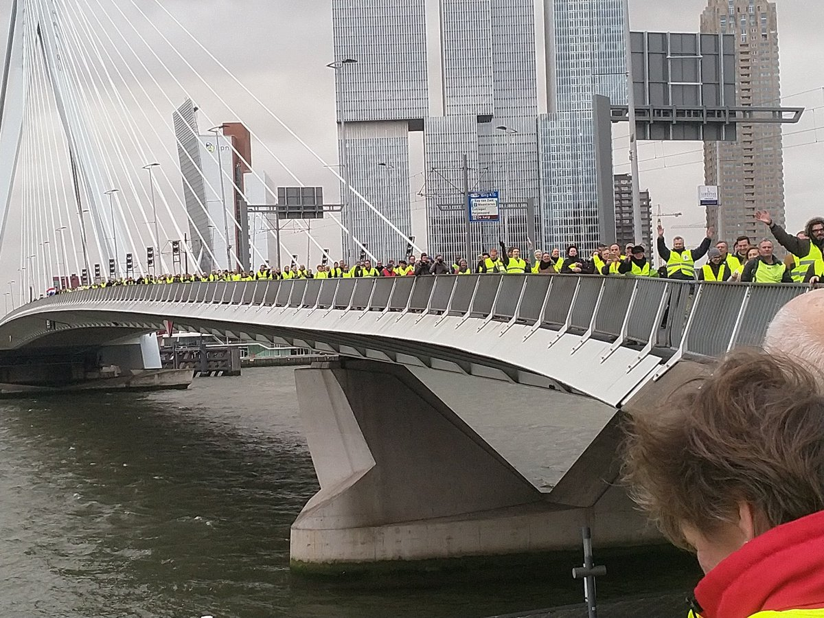 📍DERNIÈRE MINUTE📍 - #PaysBas: Marche de #giletsjaunes à #Amsterdam.' #riots #YellowVest #YellowJackets