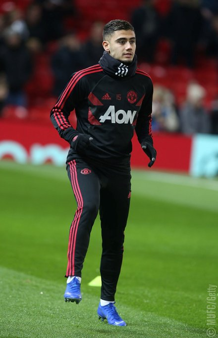 .@AndrinhoPereira has replaced @LukeShaw23 on the #MUFC bench due to injury. #MUNFUL Photo