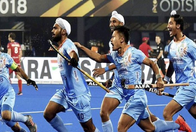 Oye oye ! 5-1 , Fantastic victory for @TheHockeyIndia beating Canada and qualifying for the quarter finals. Well played bhaiyoon #INDvCAN Photo