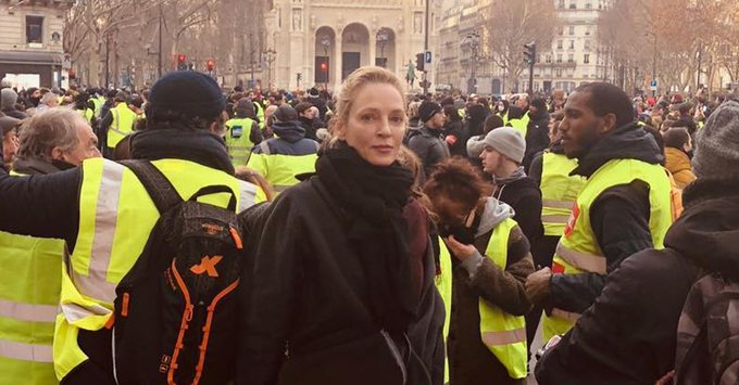 .@umathurman spotted out among the #GiletsJaune during the Paris protests. Photo