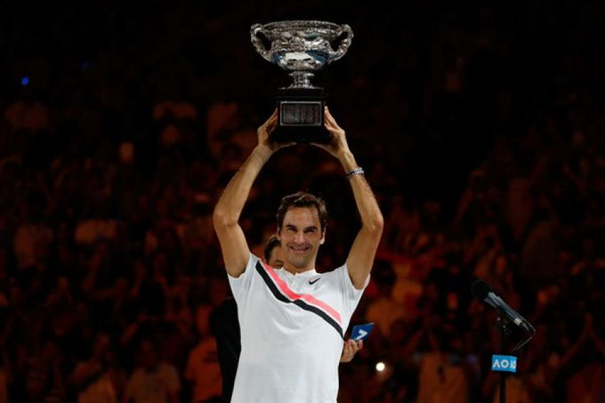 2018 in review: Roger Federer earns glory in Melbourne Photo