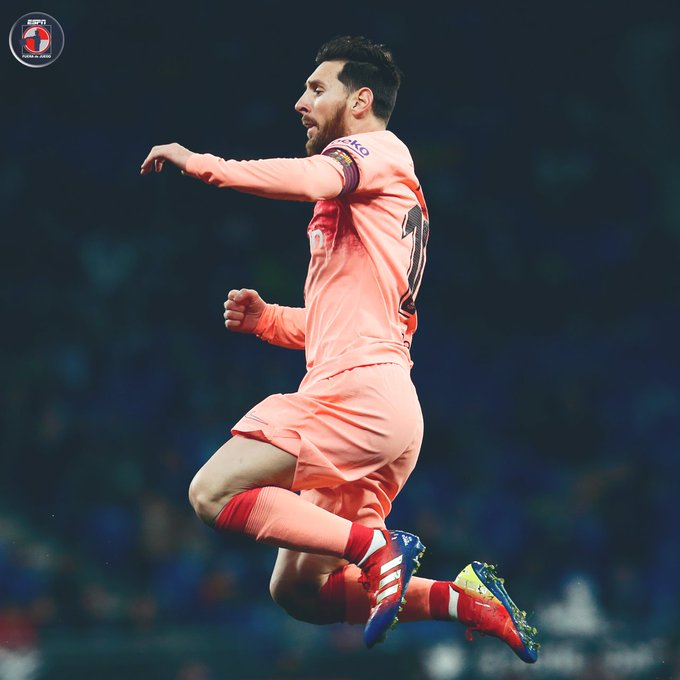 ¡Maestro de los Tiros Libres! 😎Lionel Messi ha marcado su octavo gol de falta en 2018 😯Su más cercano perseguidor en las 5 principales ligas de Europa tiene 4. Foto