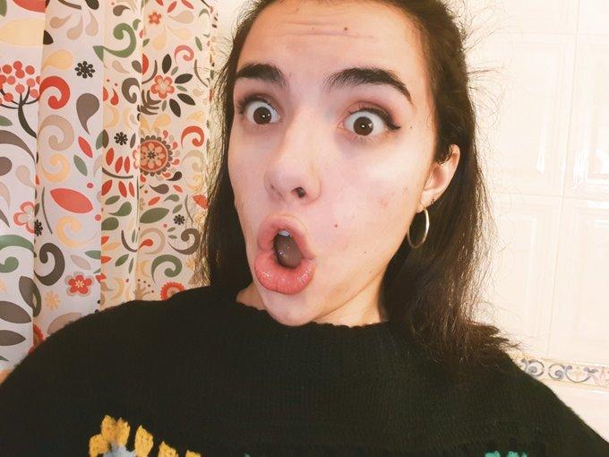 #selfiesformarta PERO QUE ESTÁ PASANDOOOOOO?!?! No podría haber tenido una mejor bienvenida 😌😌❤ o sea, flipo con vuestro apoyo #flipemosjuntos zois increibles Foto