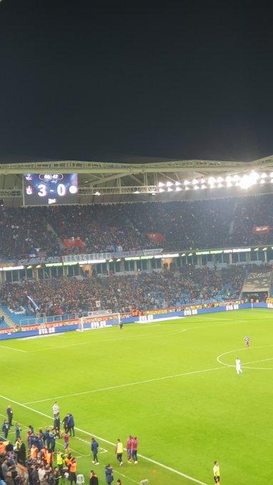 @Trabzonspor Asıl biz teşekkür ederiz sevdaların en güzeli @Trabzonspor . Emeğinize sağlı❤💙 #BugüngünlerdenTrabzonspor #TrabzonsporTekYürek Fotoğraf