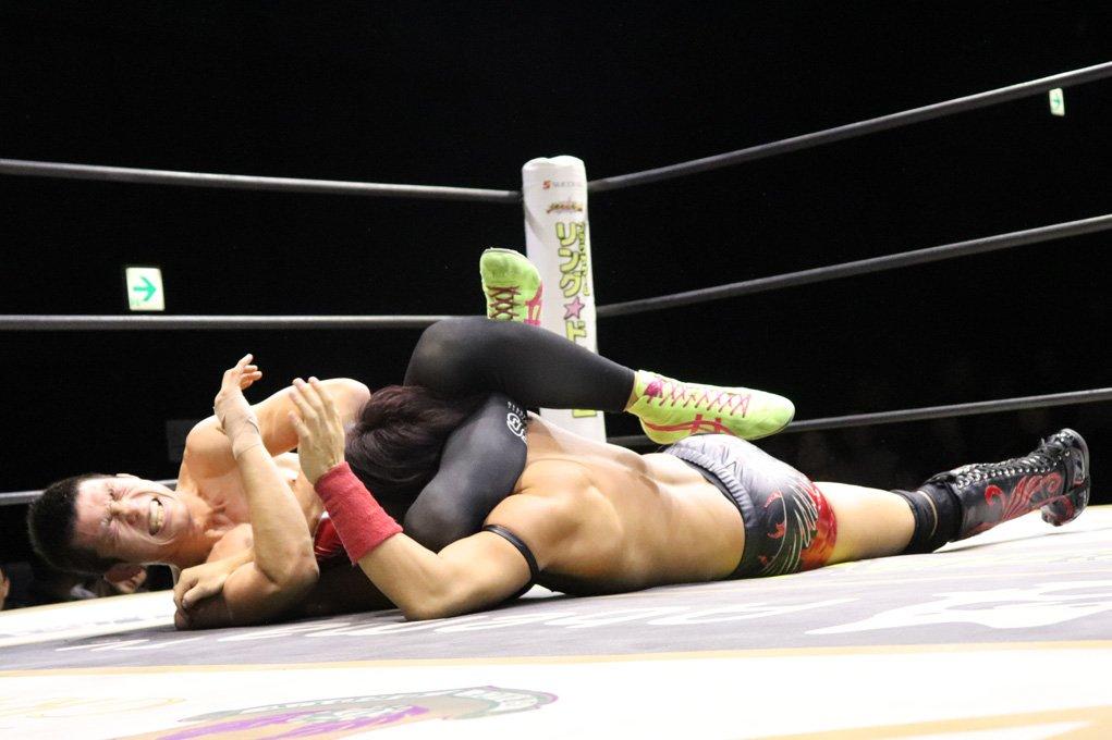 "DDT: ""D-King Grand Prix 2019"" Día 5 Shinya Aoki es doble monarca 7"