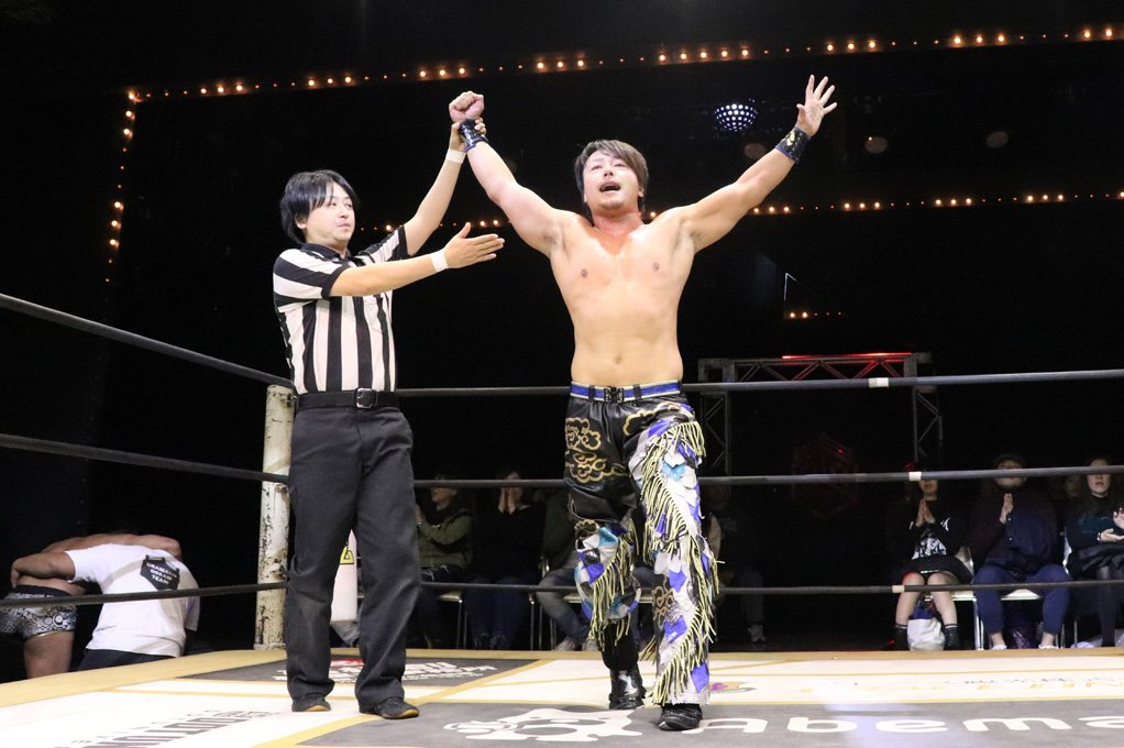 "DDT: ""D-King Grand Prix 2019"" Día 5 Shinya Aoki es doble monarca 4"