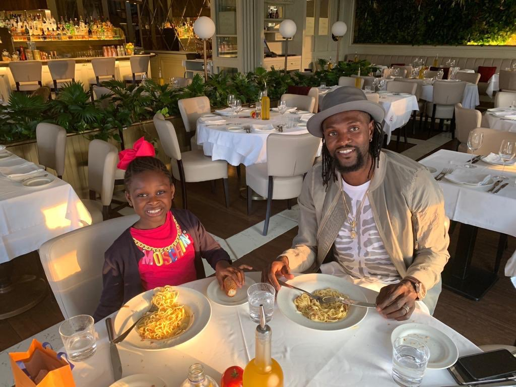SEA, Lunch time with the princess. Have a good weekend guys ! 👑😀🍝🥗🍰🙏🏾#GodFirst #KeepMoving #WinningMood #LoveMyLife #Lifestyle #LoveMyJob #LiveLife #FunTime #GeneralSEA #teamSEA #NoTimeToCheckTime #LifesGood💯